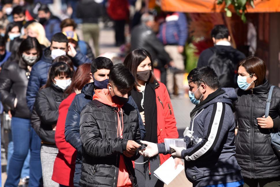 Sobre vacunas, covid y preguntas frecuentes que se hacen los tucumanos : Noticias de Argentina