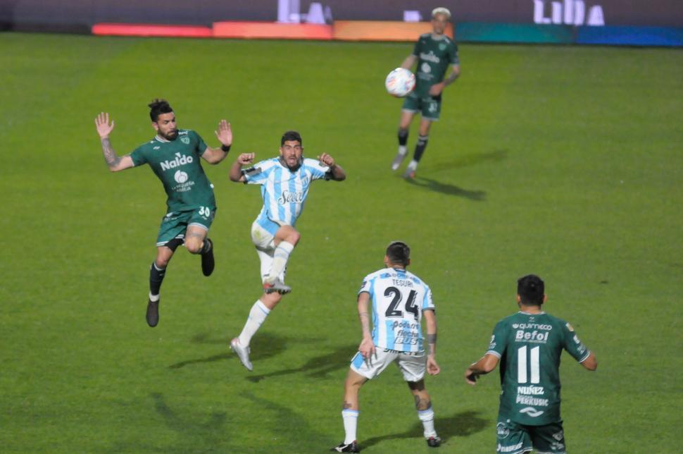 Omar De Felippe está listo para barajar y dar de nuevo : Deportes de Argentina